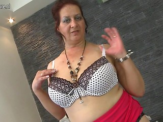 Old lady sex with milf man
