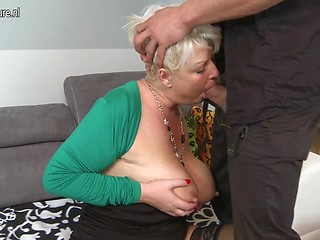 Chubby mature mom sex