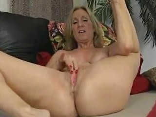 Mature pussy solo hd